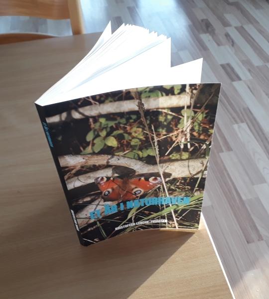 Et år i naturhaven bog