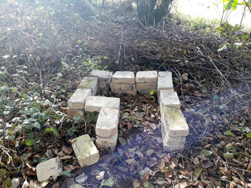 Fundament til pindsvinehus